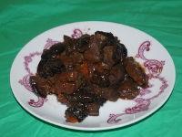 Говядина с черносливом в мультиварке, рецепт