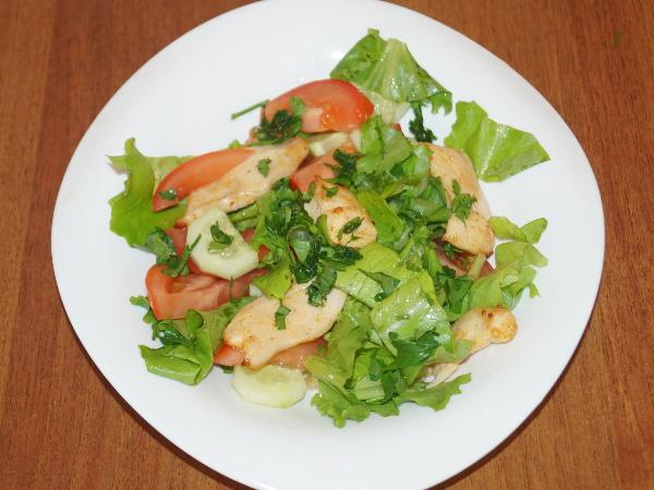 рецепты салатов куриное феле,салат айсберг огурец...