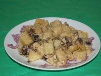 Картошка с лесными грибами в мультиварке