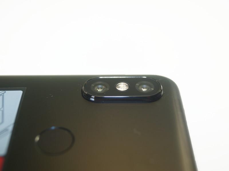 Двойная камера со вспышкой